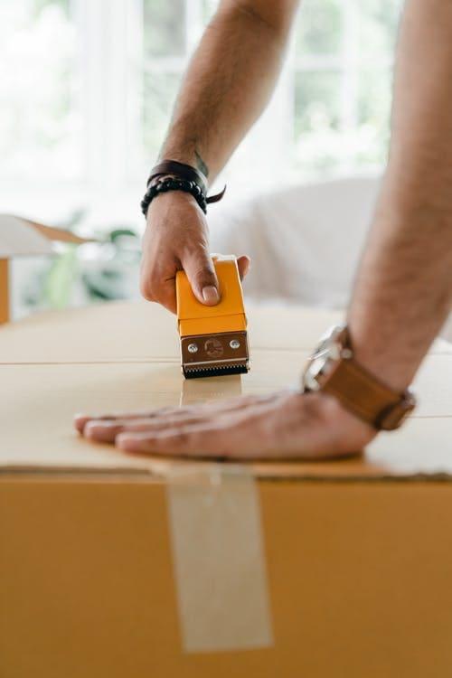 Saiba como garantir que seu móvel chegue em perfeito estado na casa nova.